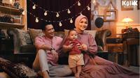 Pemotretan keluarga Rezky Adhitya dan Citra Kirana (Sumber: YouTube/RIOMOTRET)