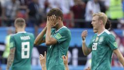 Ekspresi pemain Korea, Ju Se-jong usai timnya mengalahkan Jerman pada laga grup F Piala Dunia 2018 di Kazan Arena, Kazan, Rusia, (27/6/2018). Korea menang atas Jerman 2-0. (AP/Lee Jin-man)