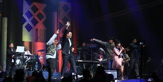 Ratusan penyanyi dari dalam dan luar negeri turut meramaikan Java Jazz Festival 2017. Selain tampil duet, para penyanyi juga tampil berkolaborasi dalam pesta jazz tersebut. (Adrian Putra/Bintang.com)