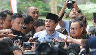 Bakal calon wakil presiden, Sandiaga Uno memberikan keterangan setibanya di gedung KPK, Jakarta, Selasa (14/8). Kedatangan Sandi untuk melaporkan LHKPN yang merupakan bagian dari syarat pencalonan dirinya sebagai bakal cawapres. (Merdeka.com/Dwi Narwoko)