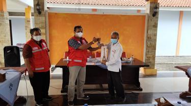 Sakirun mengabdi sebagai relawan di PMI Banyumas selama 31 tahun. (Foto: Liputan6.com/Humas Pemkab Banyumas)