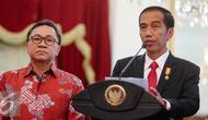 Presiden Joko Widodo menyampaikan keterangan pers terkait bergabungnya Partai Amanat Nasional dengan pemerintah di Istana Merdeka, Jakarta, Rabu (1/9/2015).(Liputan6.com/Faizal Fanani)
