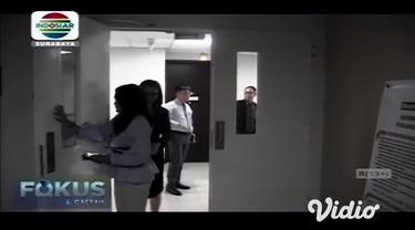 Seorang warga di Jember, Jawa Timur harus menjalani pemeriksaan intensif di rumah sakit akibat menjalani infeksi saluran pernafasan atas, merujuk pada riwayat pasien yang diketahui baru beberapa hari lalu pulang dari China sempat memunculkan indikasi...