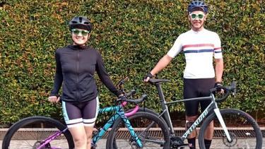 [Fimela] Nirina Zubir dan Sepedanya
