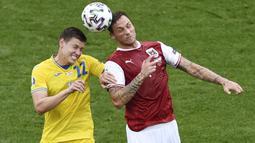 Austria memiliki beberapa peluan, salah satunya adalah saat Marko Arnautovic mendapatkan umpan silang Alessandro Schopf pada menit ke-43. Sayang peluang tersebut tak mampu dimanfaatkan dengan baik. (Foto: AP/Pool/Mihai Barbu)
