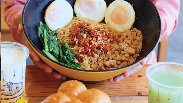 Warung Wakaka Cicipi Kuliner Jalanan Yang Kekinian