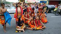 Pelajar yang menari jaranan di Kediri (Dian Kurniawan/Liputan6.com)