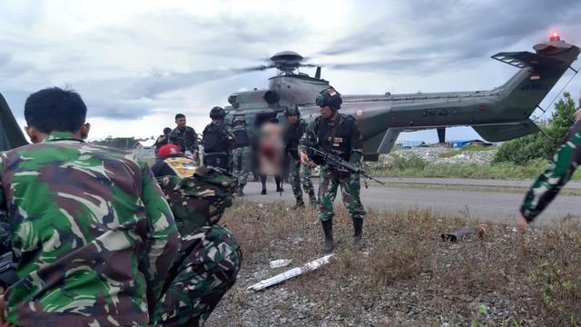 Pasukan TNI diserang KKB saat patroli di Distrik Kenyam, Nuda, Papua