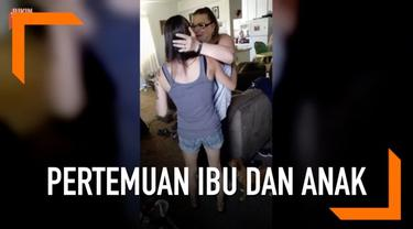 Seorang wanita akhirnya menemui ibu kandungnya setelah 30 tahun berpisah.