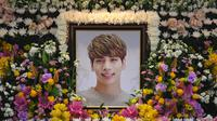 Belakangan ini, mata publik sedang tertuju pada kabar meninggalnya Jonghyun SHINee. (CHOI Hyuk/pool/AFP)