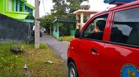 Patroli petugas BNN Riau di Kampung Dalam dan pemukiman di Jalan Pangeran Hidayat untuk mencegah peredaran narkoba. (Liputan6.com/M Syukur)