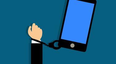 Ilustrasi kecanduan ponsel (pixabay)