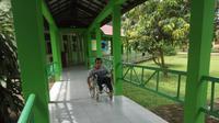 Para penyandang disabilitas yang tidak bisa menggunakan hak pilihnya di Pilkada Sumsel (Liputan6.com / Nefri Inge)