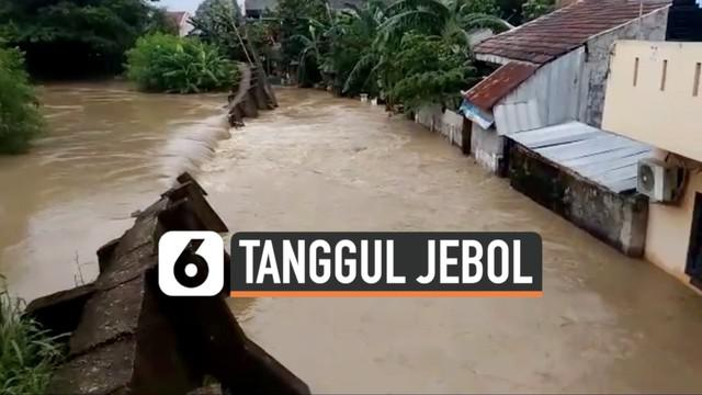 Ribuan rumah di Pondok Gede Permai Jati Asih Bekasi terendam banjir. Tanggul sungai jebol membuat air sungai mengalir deras ke permukiman.