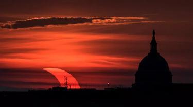 Gerhana Matahari di atas ibu kota AS, Washington DC, 10 Juni 2021 (Bill Ingalis NASA)
