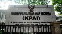 KPAI akan menitipkan kelima anak yang ditelantarkan orangtuanya kepada kerabat mereka yang dinilai cocok, Jakarta , Jumat (15/5/2015). (Liputan6.com/Yoppy Renato)