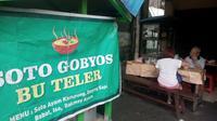 Jika Anda sedang berada di sekitar Malioboro dalam keadaan lapar yang luar biasa, berkunjung ke warung soto ini jadi pilihan yang tepat. Foto: Yanuar H/ Liputan6.com.