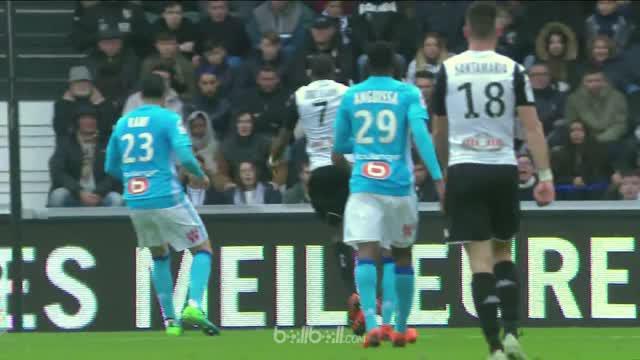 Marseille tertahan untuk mendapatkan tempat di Liga Champions musim depan sehabis imbang 1-1 di Angers, Minggu (29/4). Penalti din...