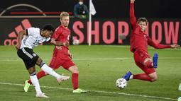 Hingga turun minum skor kacamata tak berubah. Jerman dan Denmark telah bermain dengan apik di paruh babak pertama mereka. (Foto: AP/Pool/Frederico Gambarini)