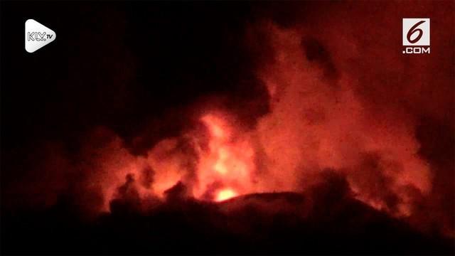 Kabar mengenai letusan Gunung Soputan turut disiarkan oleh beberapa media asing. Salah satunya adalah portal berita berbahasa inggris asal jepang, The Mainichi.