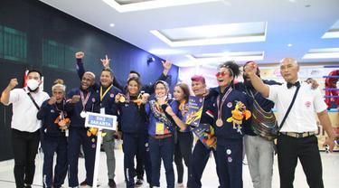 Atlet kickboxing DKI Jakarta saat berlaga di PON XX Papua 2021.