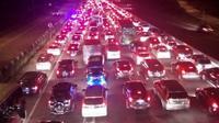 Kendaraan terpantau padat dalam arus balik lebaran 2018. (Liputan6.com/Abramena)