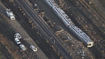 Kereta Amtrak AS Tergelincir Tewaskan 3 Orang, Petugas Bergegas Evakuasi Penumpang