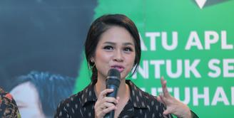 Andien Aisyah merupakan salah satu penyanyi yang ikut andil dalam menyosialisasikan lagu Indonesia Raya dalam 3 Stanza. Untuk itu, ia pun terlibat dalam pembuatan iklan layanan masyarakat dan rela tak dibayar. (Adrian Putra/Bintang.com)