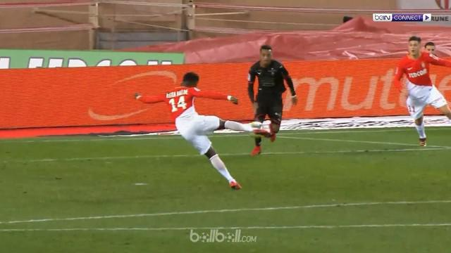 Berita video highlights Ligue 1 antara Monaco melawan Rennes, dengan skor 2-1. This video presented by BallBall.