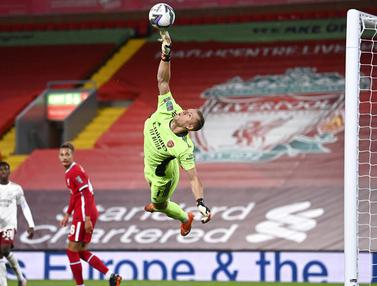 Bernd Leno Pahlawan Arsenal Saat Depak Liverpool dari Piala Liga Inggris