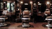 Ingin potong rambut di barbershop, pria transgender ini ditolak karena dianggap sebagai wanita. Foto: Modernmixvancouver.com.