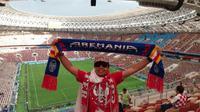 Seorang Aremania, Harie Pandiono, datang ke Rusia untuk menyaksikan secara langsung Piala Dunia 2018. (dok. Istimewa)