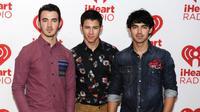 Album baru Nick Jonas itu juga turut menandainya dalam meluncurkan sebuah rekaman album panjang pertama sejak Jonas Brothers bubar.