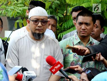 WP KPK Silaturahmi Idul Fitri ke Rumah Novel Baswedan
