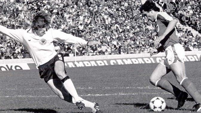 Hans Krankl saat merobek gawang Jerman Barat di Piala Dunia 1978. (Twitter)