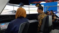 AHY menjajal menerbangan pesawat di Habibie Festival, Sabtu (19/10/2019). (Liputan6.com/ Fachrur Rozie)