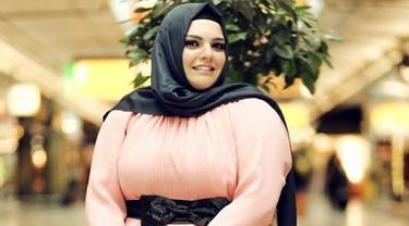 Tips Pakai Busana Muslim Untuk Si Tubuh Gemuk Beauty