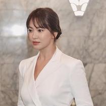 Pesona Song Hye Kyo Hadiri New York Fashion Week 2019 (sumber: weibo/ralph_lauren)