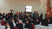 Peserta ujian CPNS 2018 di SMK Negeri 2 Kota Malang, Jawa Timur (Liputan6.com/Zainul Arifin)