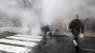 Menghirup Polusi Udara