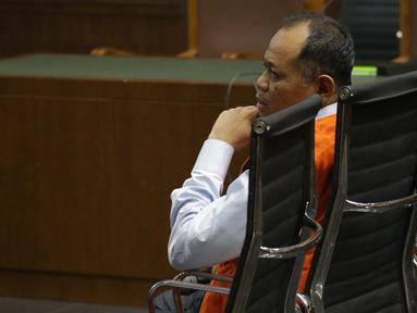 Terdakwa kasus dugaan kepemilikan senjata api illegal, Habil Marati saat menjalani sidang lanjutan di Pengadilan Negeri Jakarta Pusat, Kamis (10/10/2019). Sidang beragendakan pembacaan tanggapan JPU atas eksepsi yang dibacakan terdakwa dan penasehat hukum terdakwa. (Liputan6.com/Helmi Fithriansyah)