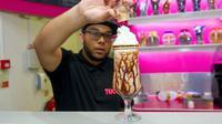 Milkshake ini mungkin milkshake paling mahal di dunia karena terbuat dari emas yang bisa dimakan