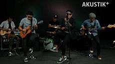 Akustik Plus kali ini menyuguhkan band The Papa yang meramu ska dengan unsur etnik khas Indonesia. Seperti apa? Simak aksi mereka!