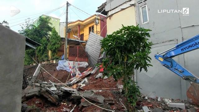 Gubernur DKI Anies Baswedan menduga banyak bangunan yang tidak memiliki IMB di daerah Kalisari.
