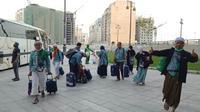 Jemaah haji Indonesia sempat tertahan saat hendak masuk hotel di Madinah. (Dream)