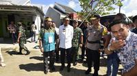 Gubernur Sulsel, Nurdin Abdullah saat melihat langsung persiapan KPU dalam pelaksanaan Pemilu 2019 (Liputan6.com/ Eka Hakim)
