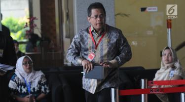 Sekjen DPR RI Indra Iskandar usai menjalani pemeriksaan di Gedung KPK, Jakarta, Kamis (16/5/2019). Indra Iskandar diperiksa sebagai saksi untuk tersangka anggota Komisi VI DPR Bowo Sidik Pangarso pada kasus dugaan suap terkait kerja sama pengangkutan pupuk melalui pelayaran (merdeka.com/Dwi Narwoko)