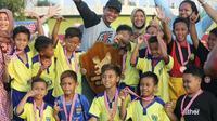 Para siswa SPFA memenangkan sebuah kejuaraan. (Dokumen pribadi Rudy Eka Priyambada)