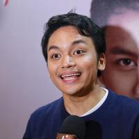 Calvin Jeremy kembali berkarya setelah vakum selama enam tahun. Pada 28 Maret 2018 kemarin, Calvi kembali meluncurkan album terbarunya yang berjudul Nostalgia. (Adrian Putra/Bintang.com)