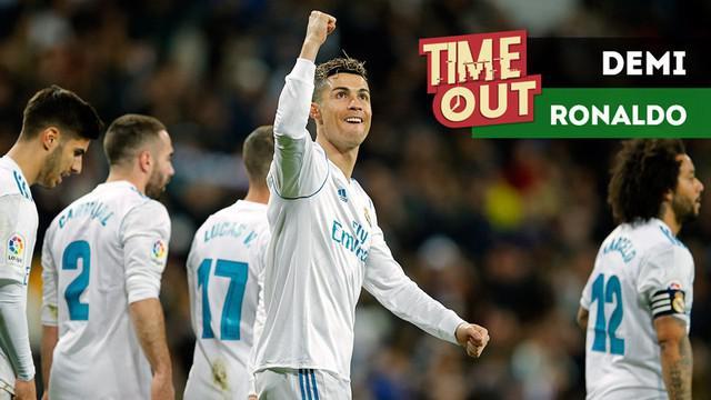 Berita video Time Out kali ini tentang Cristiano Ronaldo ingin didapatkan Manchester United dengan cara melepas David De Gea.